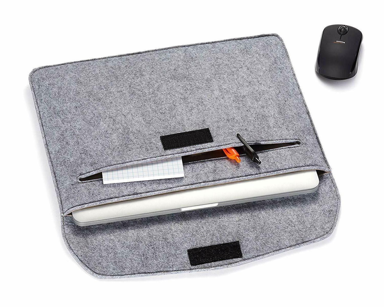 AmazonBasics Sleeve Case - 15.4 Inch