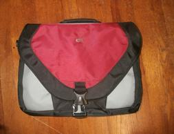 Solo Laptop Case Notebook Carrying Briefcase Travel Computer